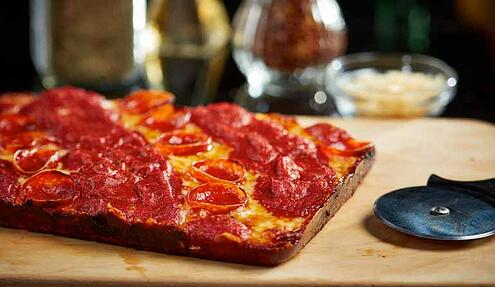 detroit_style_pepperoni_pizza_with_gluten_free_crust