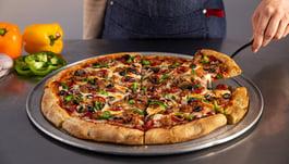 3 Factors That Make Par-Baked Pizza Crusts Ideal for C-Stores