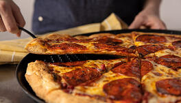 How C-Stores Benefit from Signature Pizza Crusts