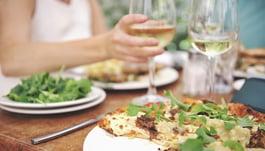 7 Ways Pizzerias Can Heat Up Summer Sales