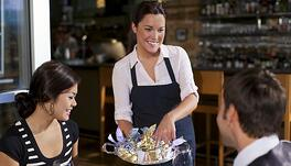 4 Ways to Empower Your Waitstaff to Upsell