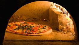 Best Crust Types for a Wood-Fired Oven