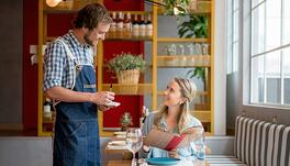 Focus on Pizzeria Operations: Top Tips for Front of House