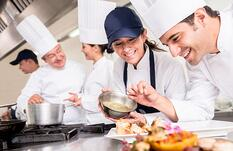 Showing Appreciation to Restaurant Employees: 9 Simple Ideas
