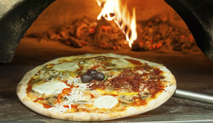 Selecting an Oven for Your Pizza Operation — 3 Considerations