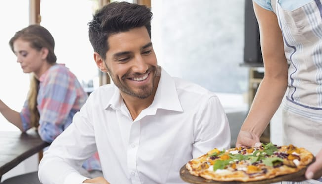 How to Serve Pizza Patrons With Food Allergies